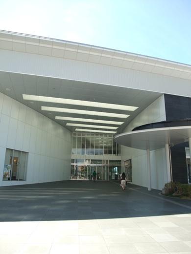 愛知県岡崎市にある市民参加でつくられた公共施設「岡崎リブラ」