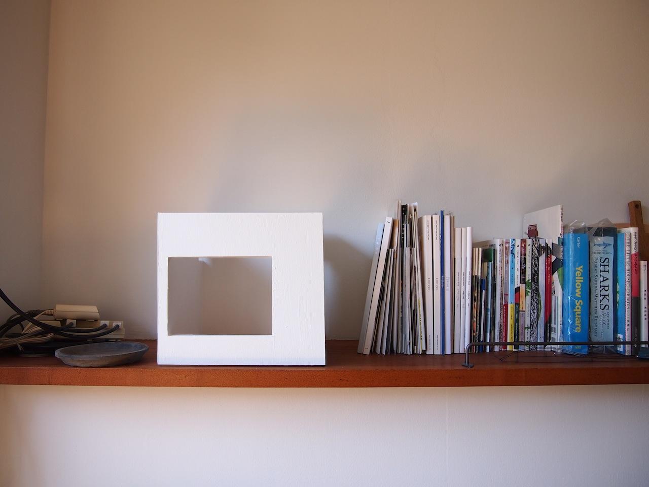 白い箱01