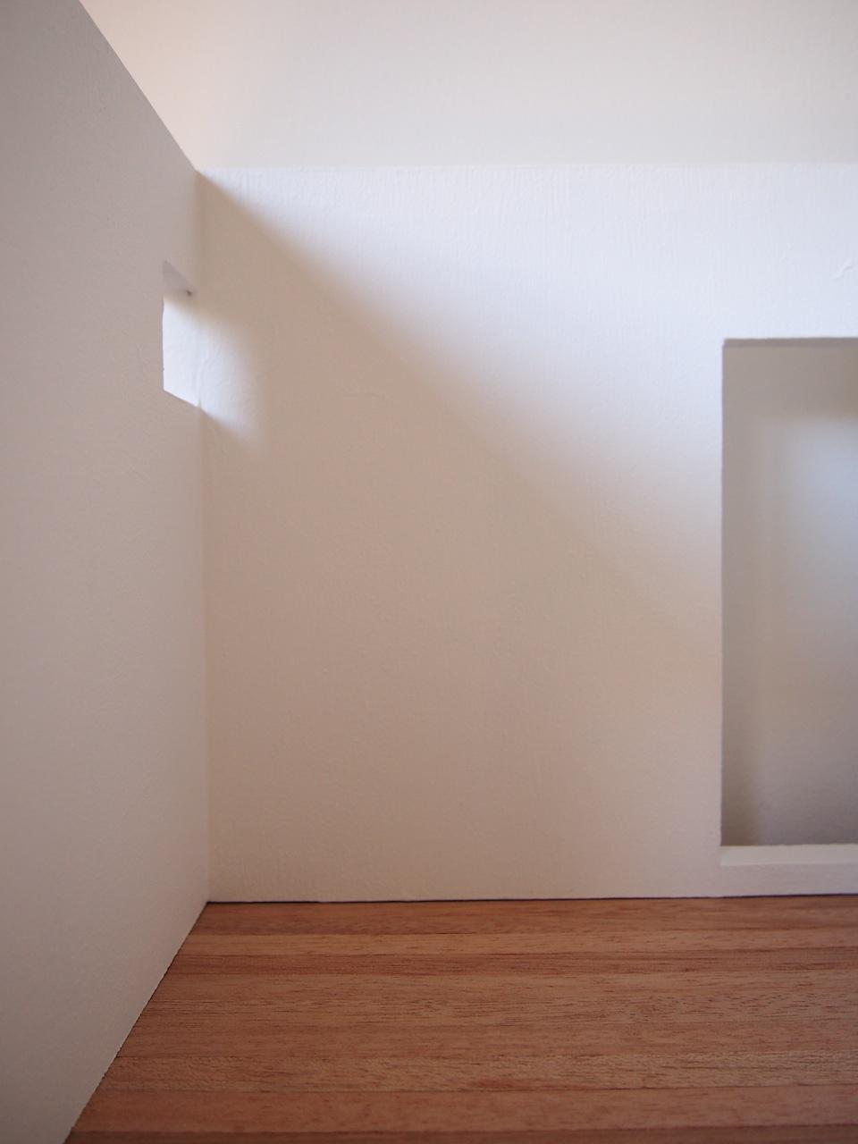 白い箱04