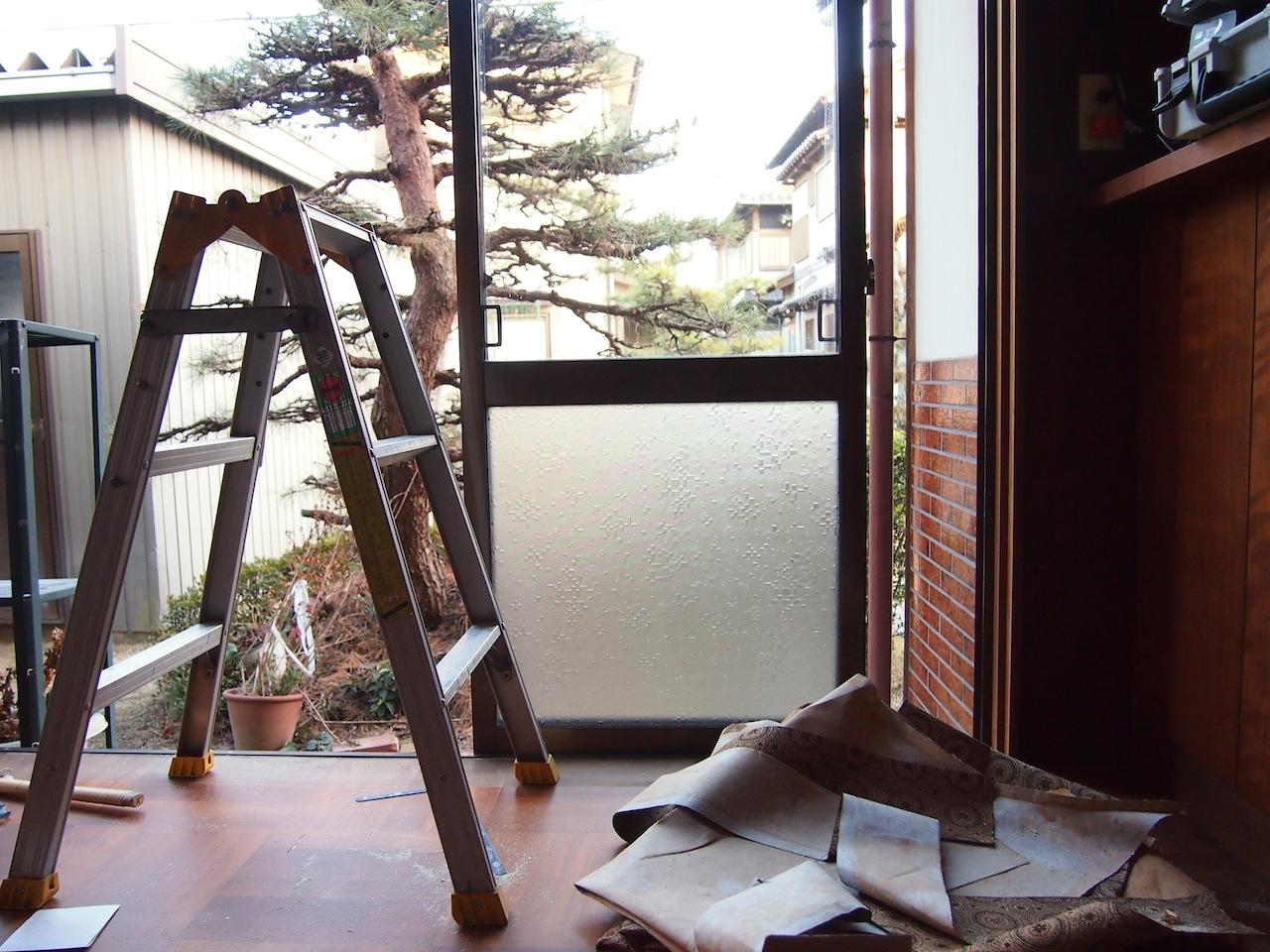 古い家一室の事務所04
