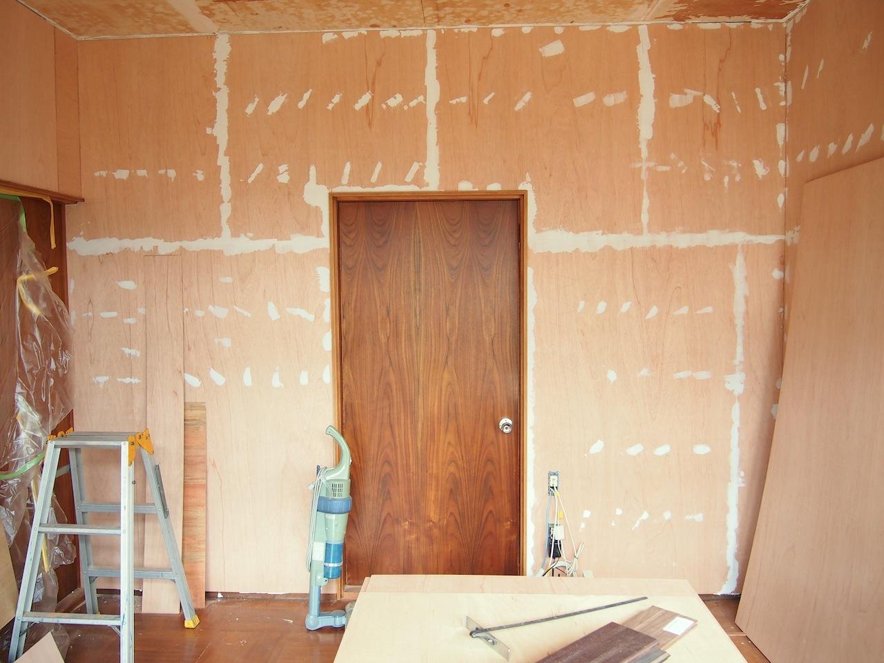 古い家一室の事務所07